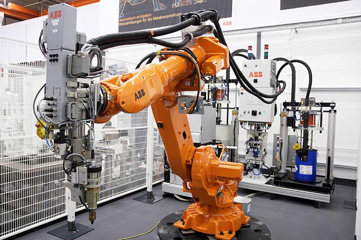 Российский рынок промышленных роботов вырос на 42% в 2018 году и превысил 1000 единиц